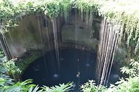 Ik-Kil cenote