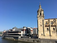 Kerk en markthal Ribera, Bilbao.