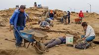 Sinds 2011 zijn ze bezig met de opgravingen rond dit enorme massagraf van kinderen en lama's