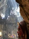 Mooi aangelicht in de grot