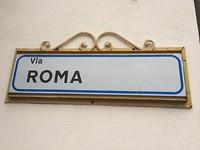 Slaapadres op de Via Roma in Signa