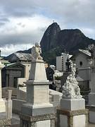 begraafplaats Rio met christo op de achtergrond