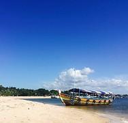 Bootje kust Gamboa
