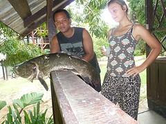 De heren van Fungu island hebben een visje gevanen