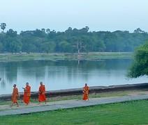 Monniken voor de Angkor Wat