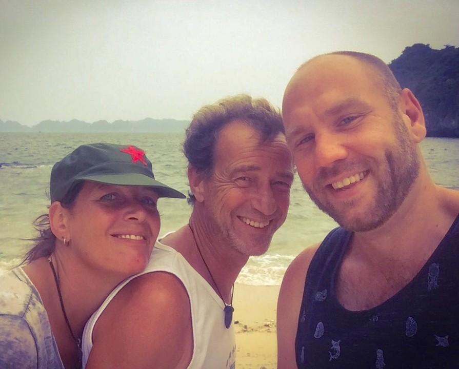 3 happy travelers