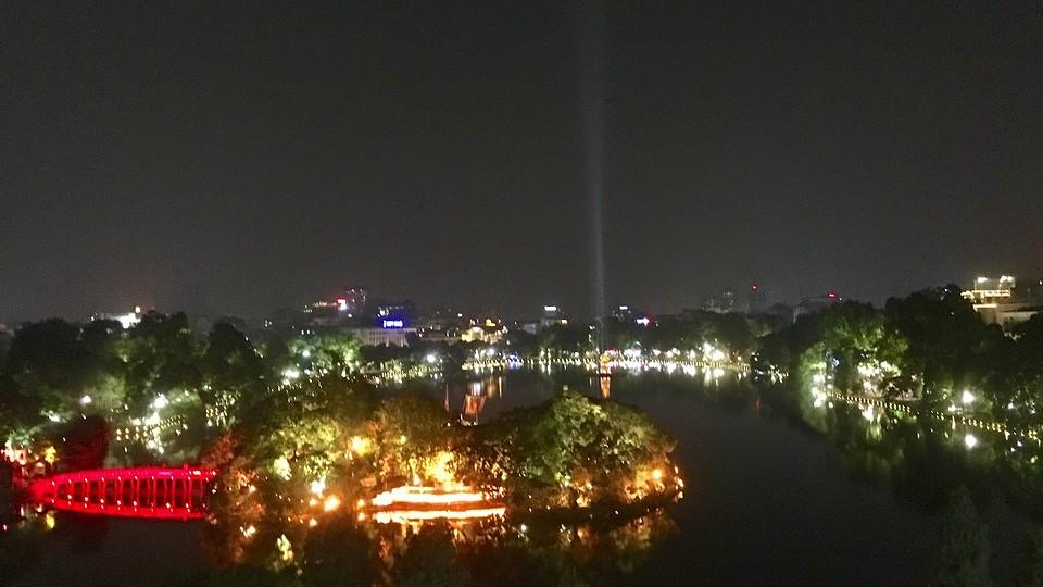 Het meervan Hanoi by night