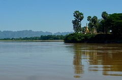 Pagoda @ Salween River
