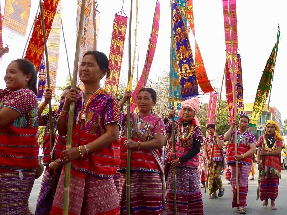 Mhong vrouwen tijdens de ordination