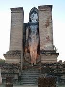 buddha between de walls