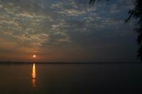 Dag 16-zonsopkomst boven de Mekong