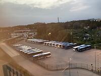 Zaterdag wakker worden met bussen voor de deur