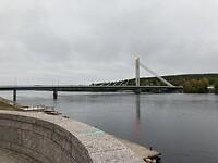 De beroemde brug in Rovaniemi