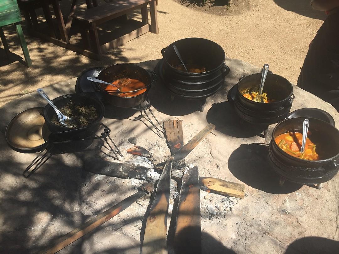 Lunch voor de fietstour bij Lebo's backpackers