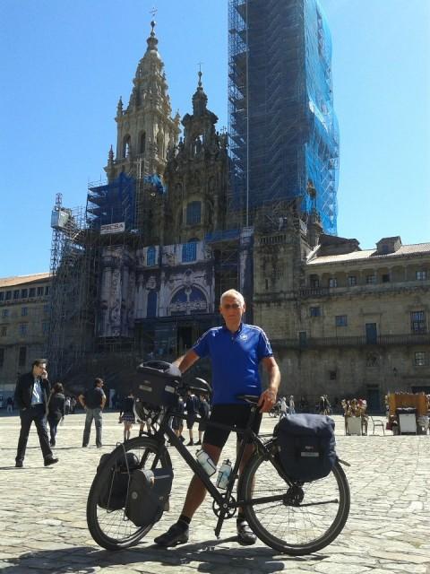 Aart voor kathedraal Santiago de Compostela