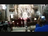 wierookvat zwaaien in kathedraal Santiago de Compostela 1