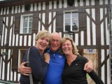 Marian en Elsa rijden ons achterop bij Onesse-et-Laharie