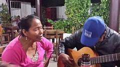 20160726_192112  Miss Iquitos zingt mee