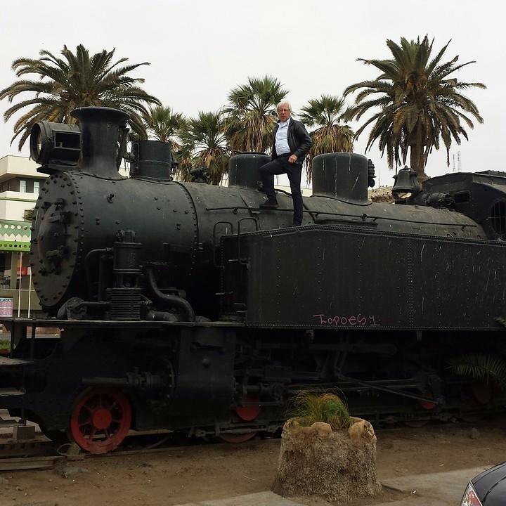 20160804_142852_3-1  Locomotief en Zef