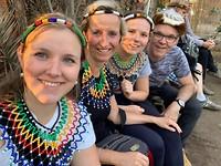 Selfie met Afrikaanse sierraden