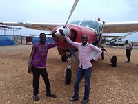 Yak en Muklus, onze trouwe locale staff al zoveel jaren