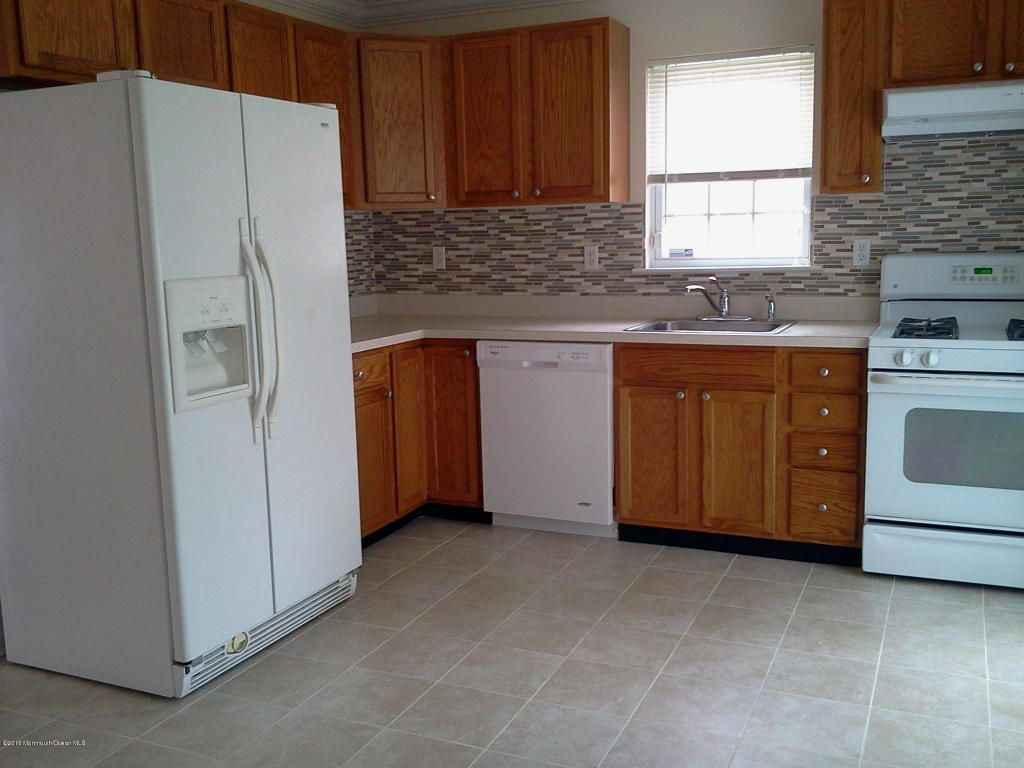 Beautiful 2BR Townhome for rent near by New Brunswick train station