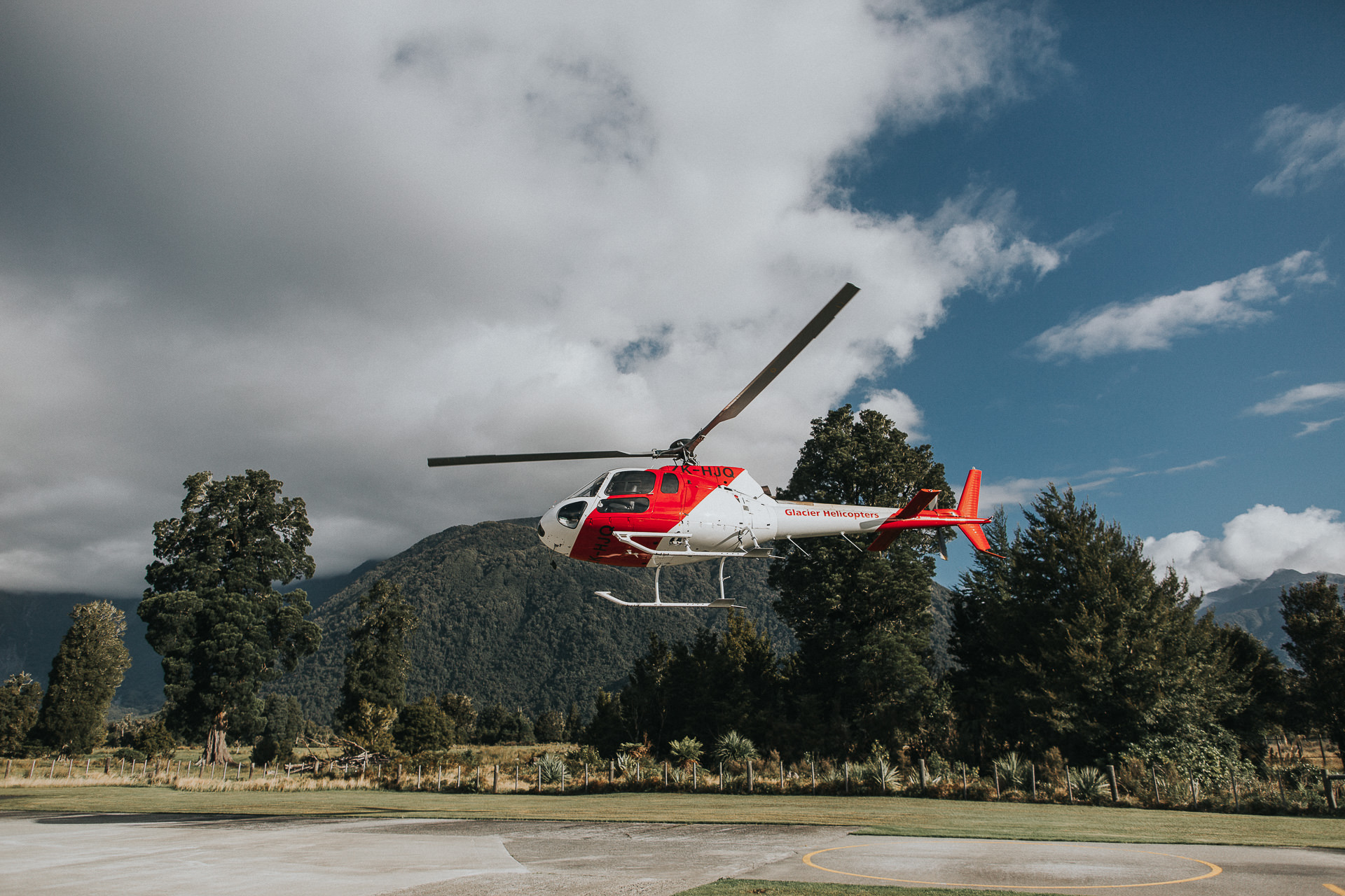 helicopter landing from fox glacier