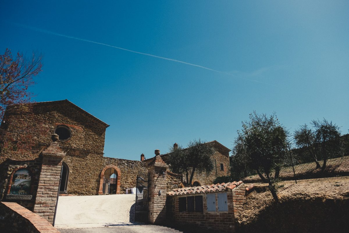 Wedding photographer in Umbria, Agriturismo I Frati Paciano, Italian wedding, Ayesha Photography, Destination wedding photography, Italy wedding photographer, Tuscany wedding photographer, Manchester wedding photographer, picture of building