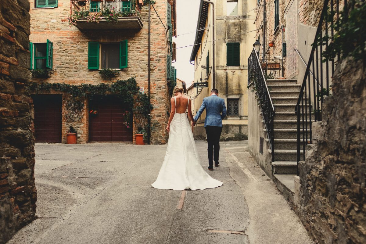 Wedding photographer in Umbria, Agriturismo I Frati Paciano, Italian wedding, Ayesha Photography, Destination wedding photography, Italy wedding photographer, Tuscany wedding photographer, Manchester wedding photographer, bride and groom walk through Panicale
