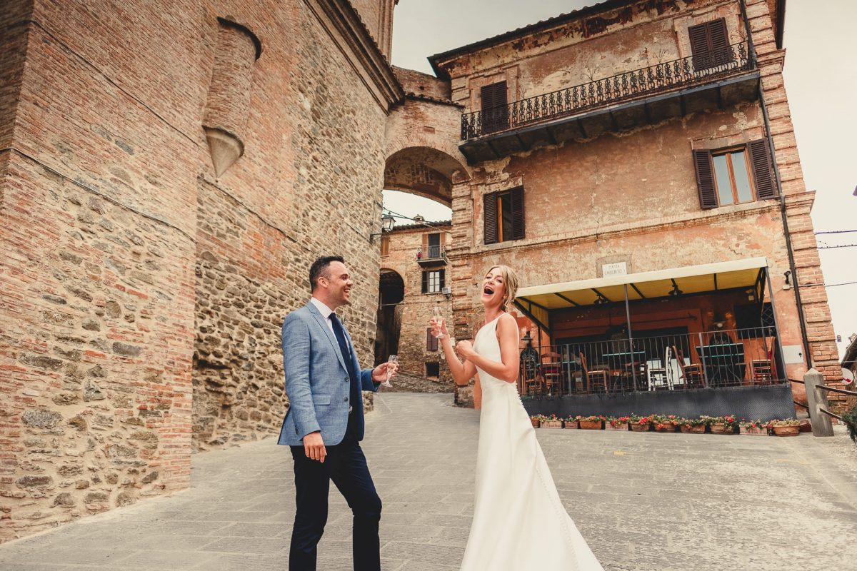 Wedding photographer in Umbria, Agriturismo I Frati Paciano, Italian wedding, Ayesha Photography, Destination wedding photography, Italy wedding photographer, Tuscany wedding photographer, Manchester wedding photographer, bride and groom panicale