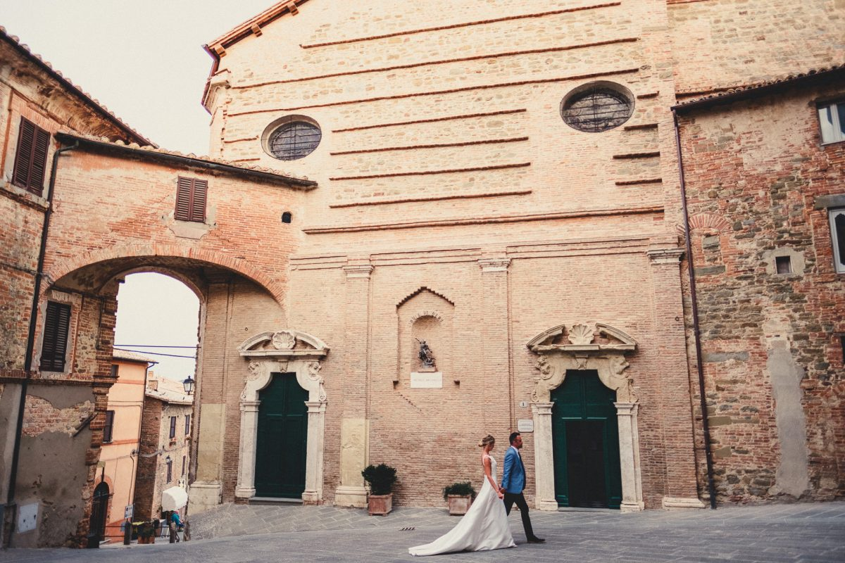 Wedding photographer in Umbria, Agriturismo I Frati Paciano, Italian wedding, Ayesha Photography, Destination wedding photography, Italy wedding photographer, Tuscany wedding photographer, Manchester wedding photographer, bride and groom in panicale outside church