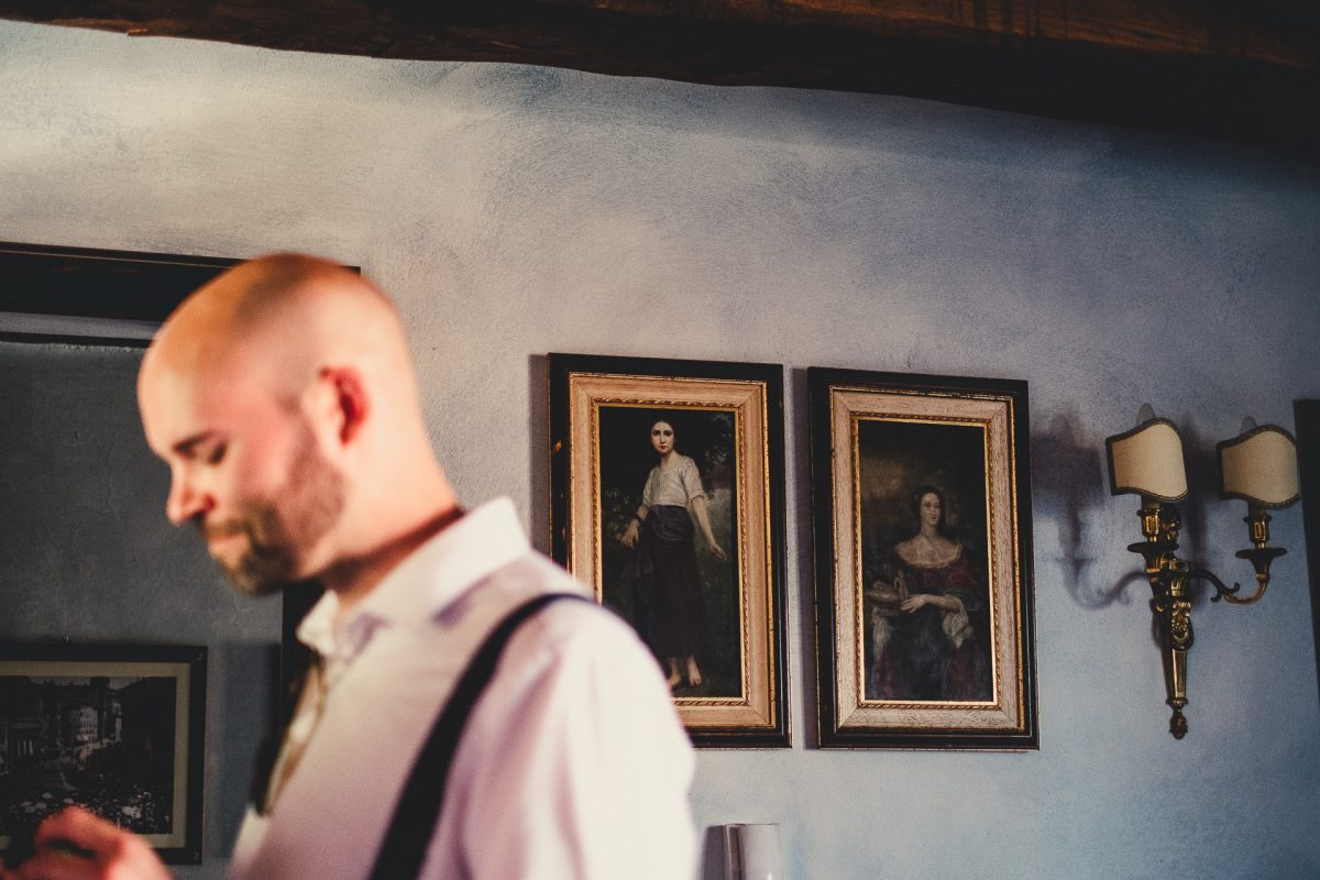Wedding photographer in Umbria, Agriturismo I Frati Paciano, Italian wedding, Ayesha Photography, Destination wedding photography, Italy wedding photographer, Tuscany wedding photographer, Manchester wedding photographer, bestman getting ready