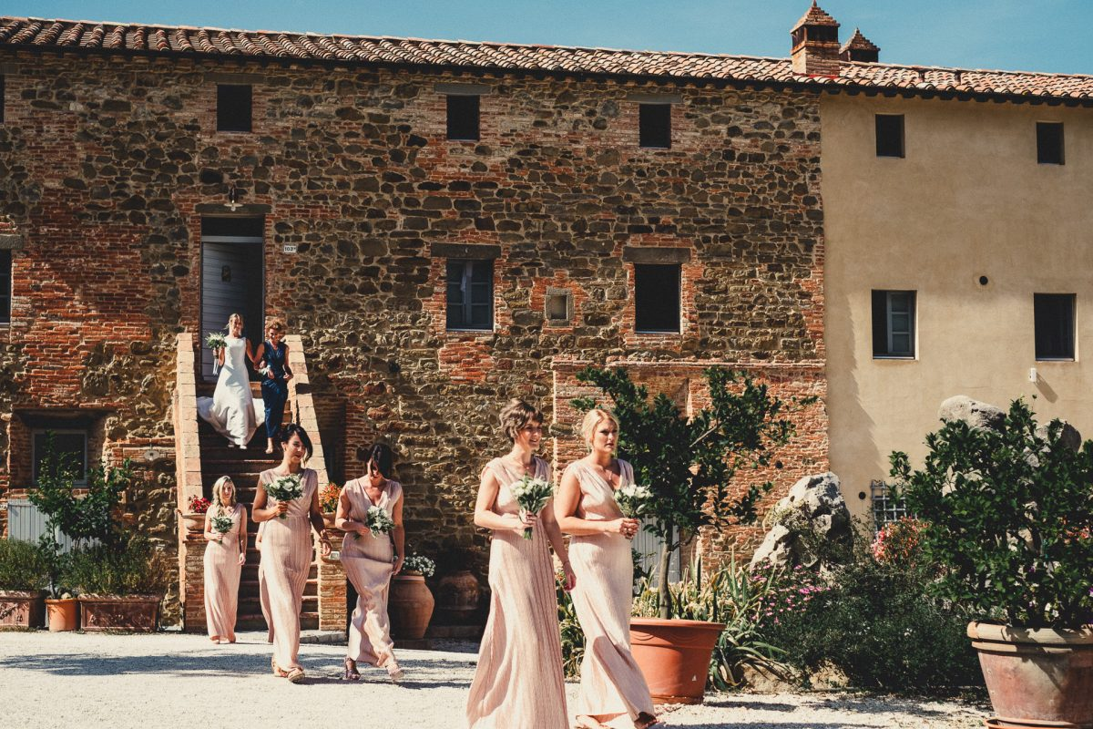Wedding photographer in Umbria, Agriturismo I Frati Paciano, Italian wedding, Ayesha Photography, Destination wedding photography, Italy wedding photographer, Tuscany wedding photographer, Manchester wedding photographer, bridal entrace