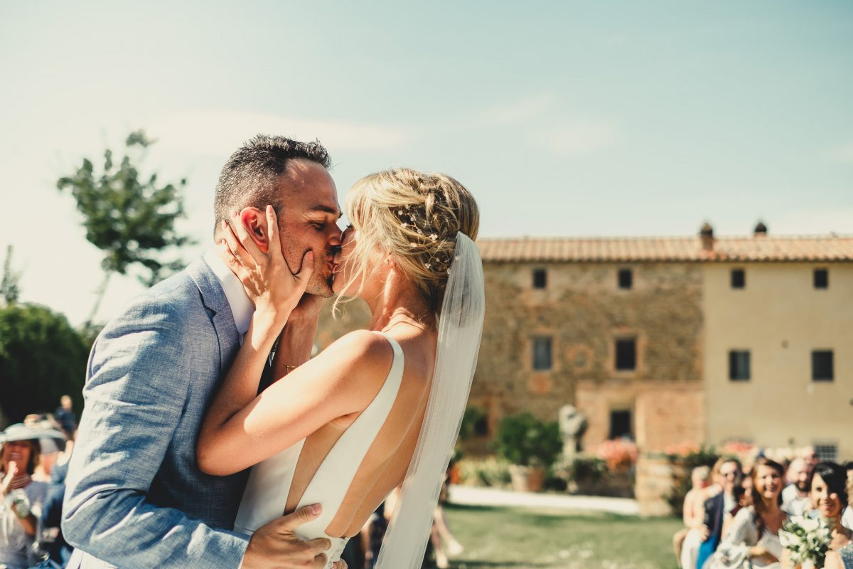 Wedding photographer in Umbria, Agriturismo I Frati Paciano, Italian wedding, Ayesha Photography, Destination wedding photography, Italy wedding photographer, Tuscany wedding photographer, Manchester wedding photographer, bride and groom first kiss