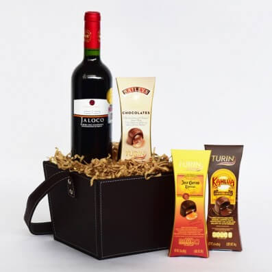 Christmas Basket - Wine and Chocolates