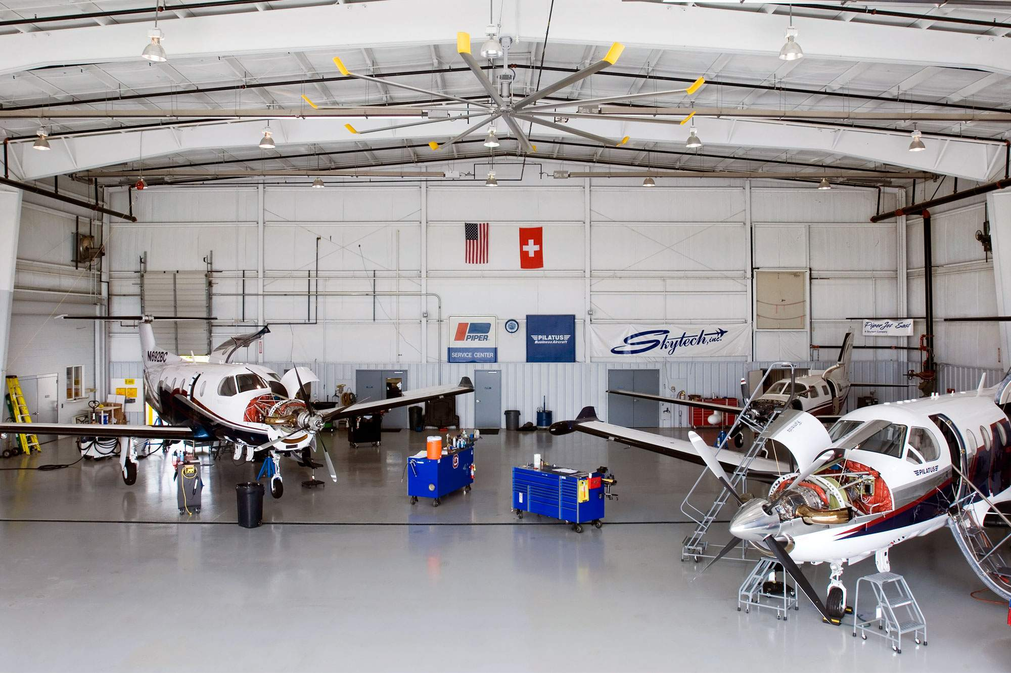 helicopter hangars with Private on File Outside NOAA AOC Hangar 5 MacDill AFB T a Florida furthermore Grand Designs The Mighty Cessna Caravan as well Hmx 1 Maintenance Hangar besides Smartug as well Tripoli International Airport Maintenance Hangar.