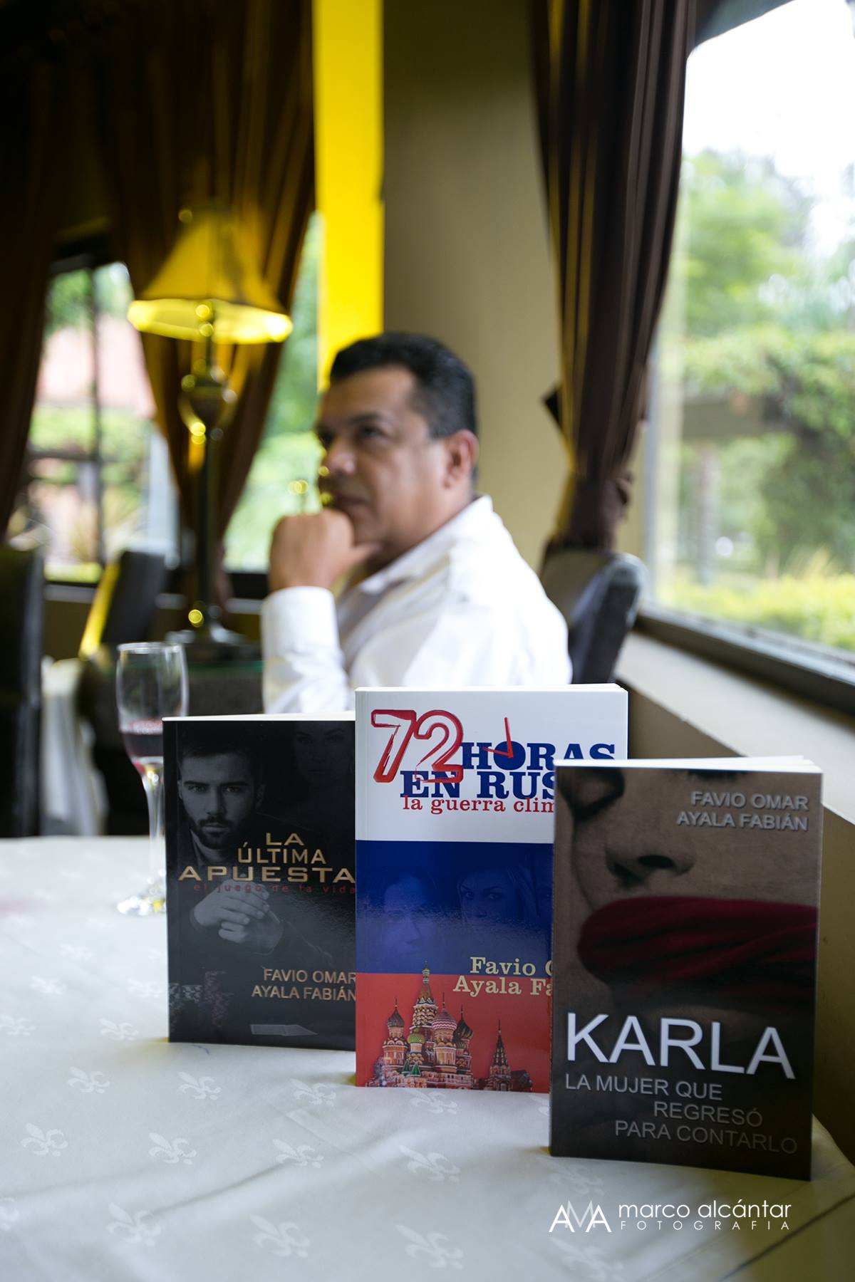 Favio Omar Ayala, nació en la ciudad de Morelia, México, hace 45 años.  Amante de las matemáticas, la astronomía y de las letras, lo que lo llevó a  estudiar ...