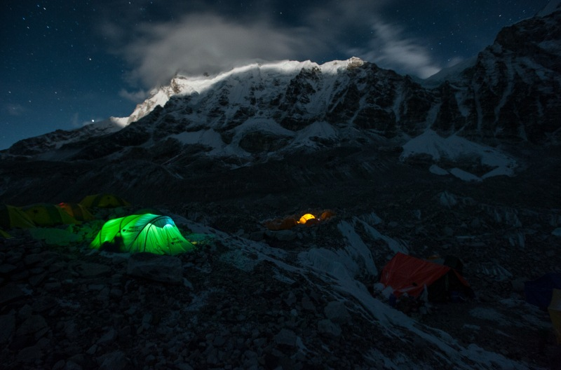 16-25 Everest Expedition Pictures - Mountain aglow Everest base camp 5365m (Explore)