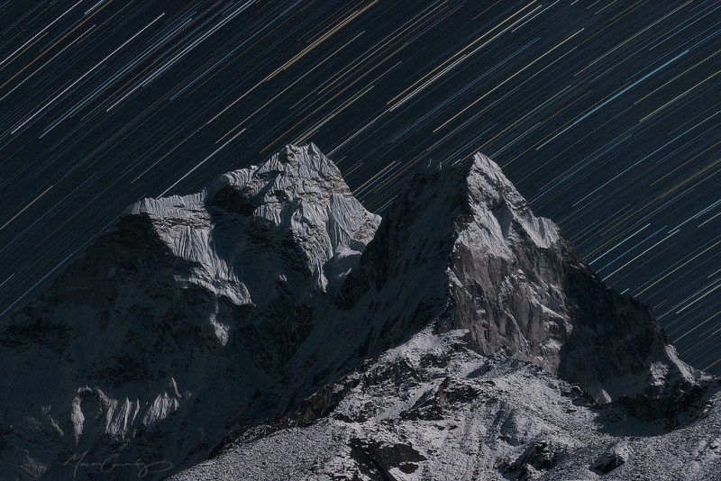 18-25 Everest Pictures - Dreams over Everest-Ama Dablam Star Trails