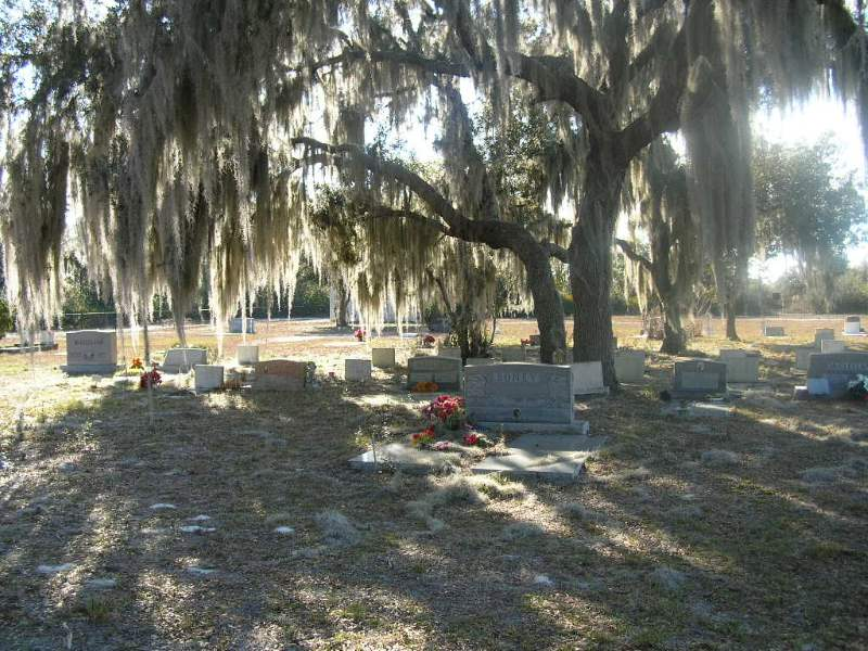 9 - Shingle Creek Cemetery - 10 Most Haunted Hikes in Florida