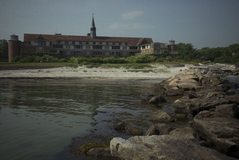 7) Connecticut - Seaside Sanatorium Waterford - Haunted Hiking Trails 50 States