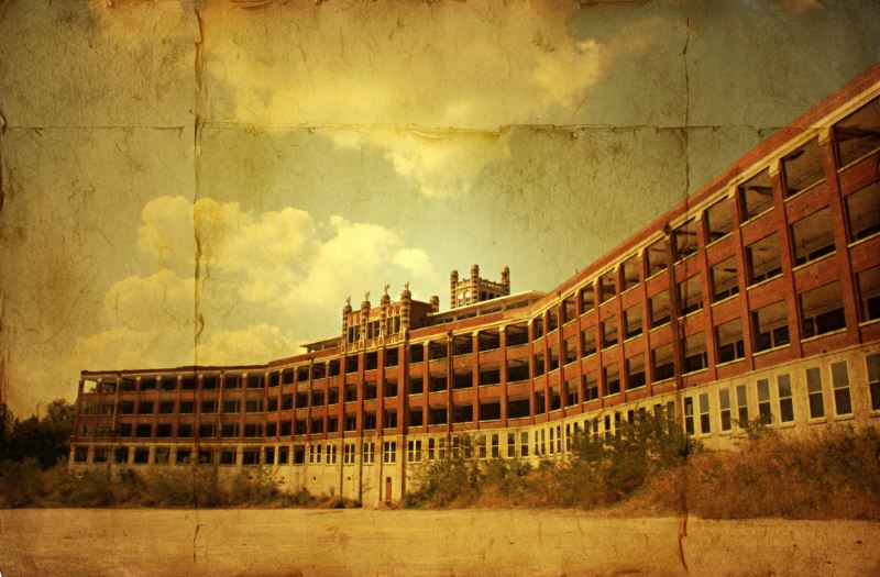17) Kentucky  - Waverly Hills Sanatorium Louisville - Haunted Hiking Trails 50 States