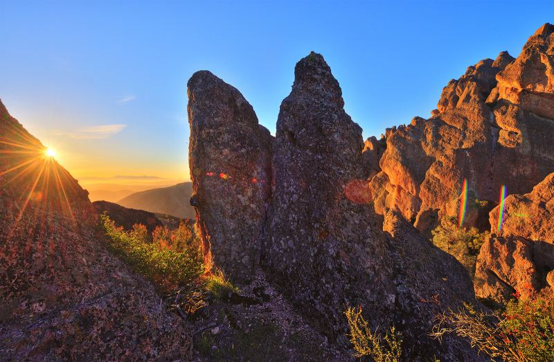9) Pinnacles National Park - 10 Amazing State Parks In California That Will Blow You Away