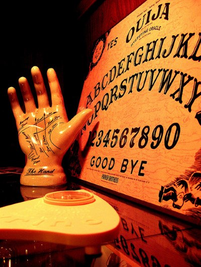 Board and Palm - How to use a ouija board