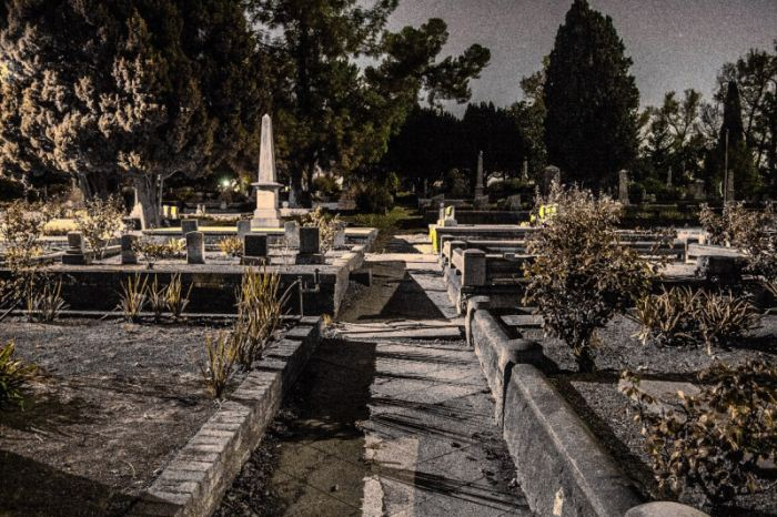 2 - Sacramento City Cemetery - Haunted Hikes Sacramento