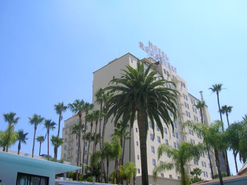 10 most haunted hollywood landmarks for Hollywood beach resort haunted