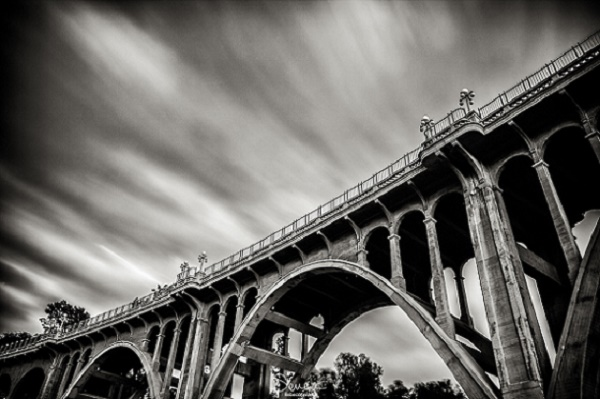 The Hair-Raising Stories of Pasadena's Suicide Bridge