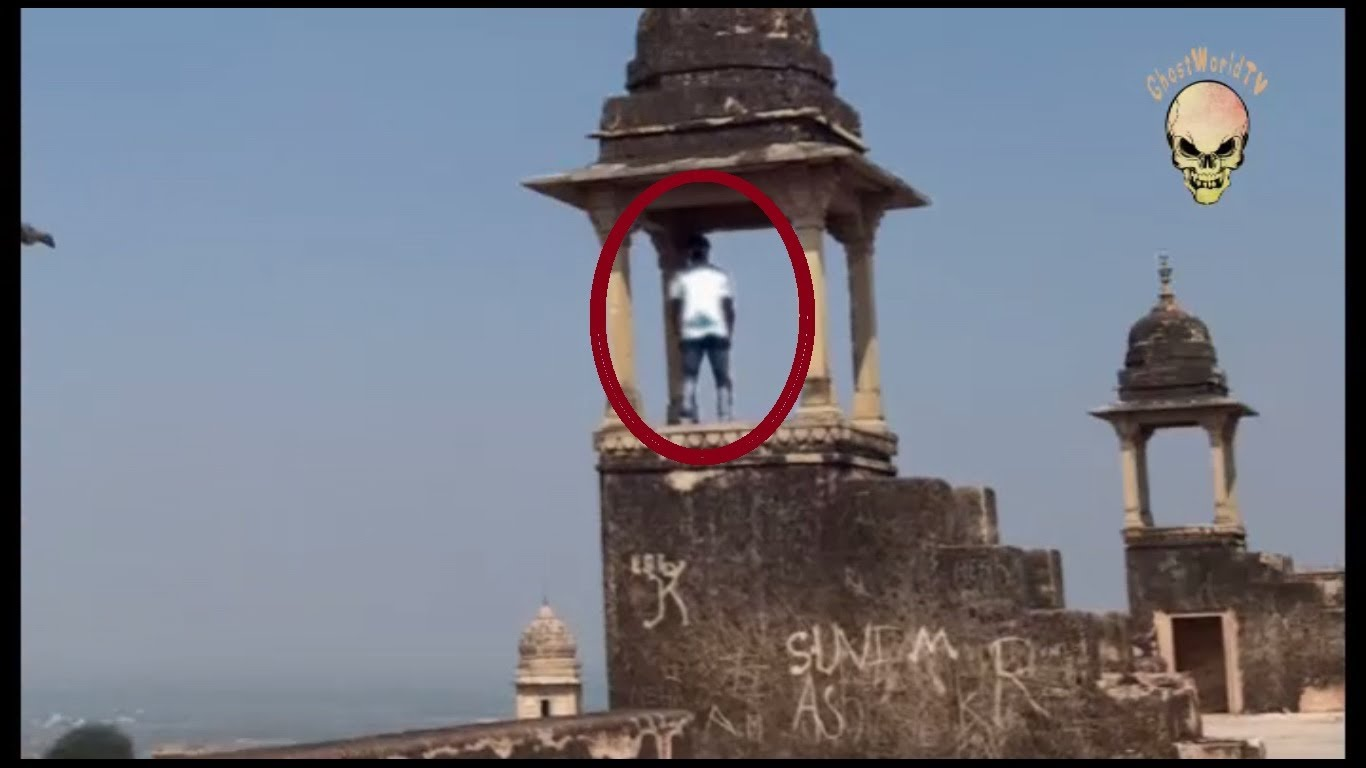 Thursday Haunted Stuff: Faceless Ghost Spotted at Indian Temple