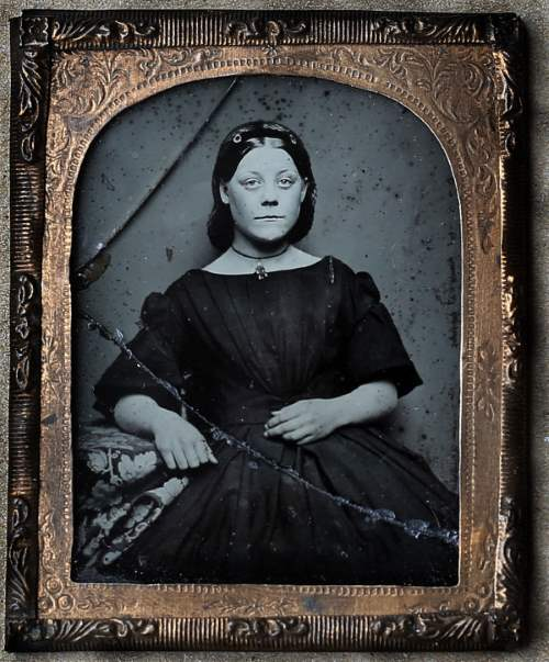 The most common ghost sighting in the hotel is that of a beautiful woman believed to be from the Victorian era.
