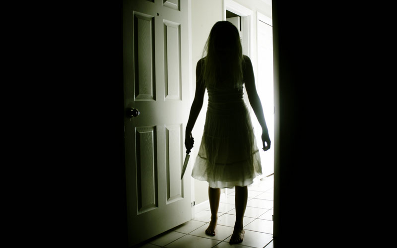 Real Ghost Stories: Woman With Knife Only Appears For Kids